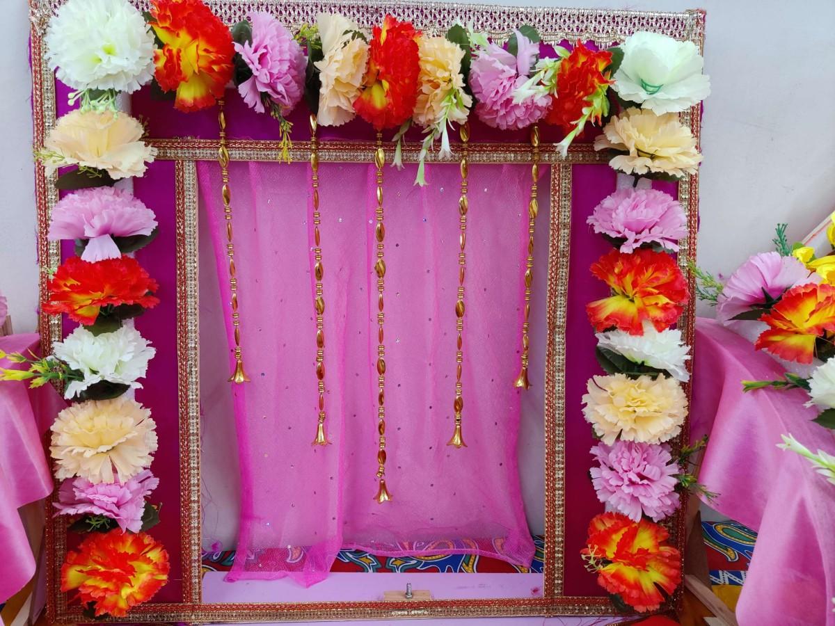 Gaanpati Makhar flower decoration